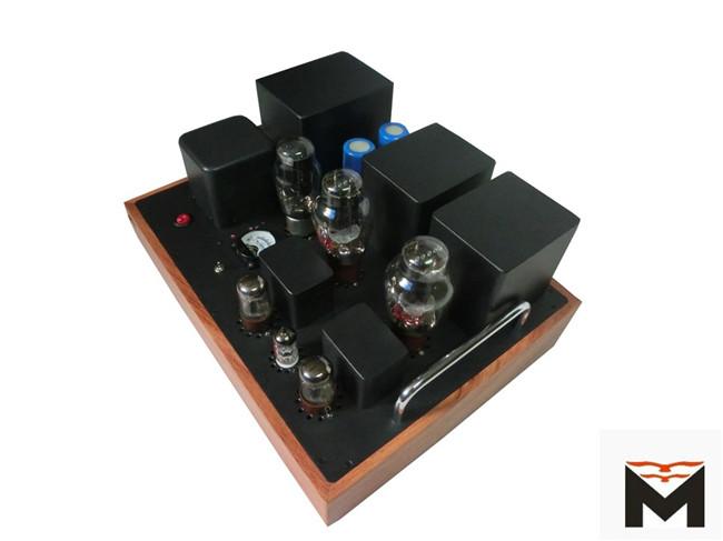 电压放大用捷克jj的12ax7电子管,推动级为美国喜万年6sn7并管带推动